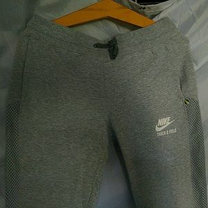 EUC NIKE light grey heathered sweatpants, mesh